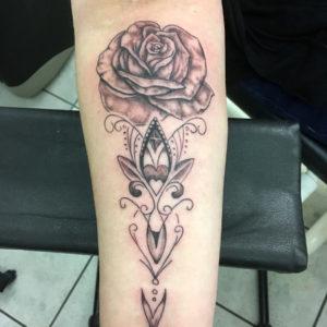 Tätowierung, realitic, Rose, Mandala, ink, tribalTattoo, Haut und Tinte, Unterarmtattoo, forearmtattoo, black&white tattoo, Wolfsburg